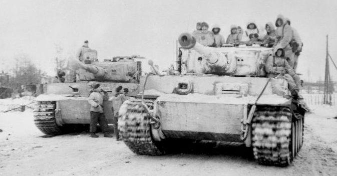Немецкие «Тигры» во время прорыва из «котла».