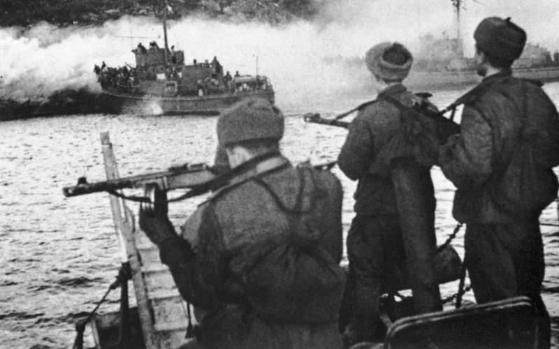 Тактический десант на южном побережье Варангер-фьорда.