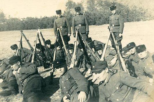 Охранники нацистского лагеря смерти «Собибор». Среди них, как полагают, есть и Иван Демьянюк.