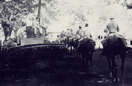 Филиппинские и американские войска на полуострове Батан.