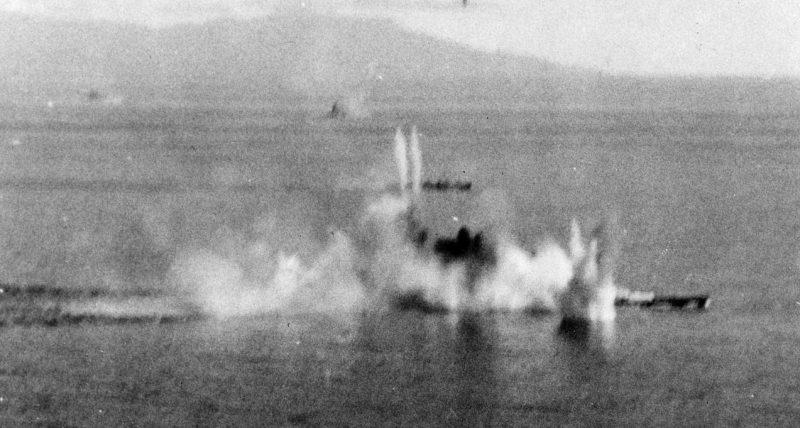 «Мусаси» под американскими бомбами. 24 октября 1944 г.