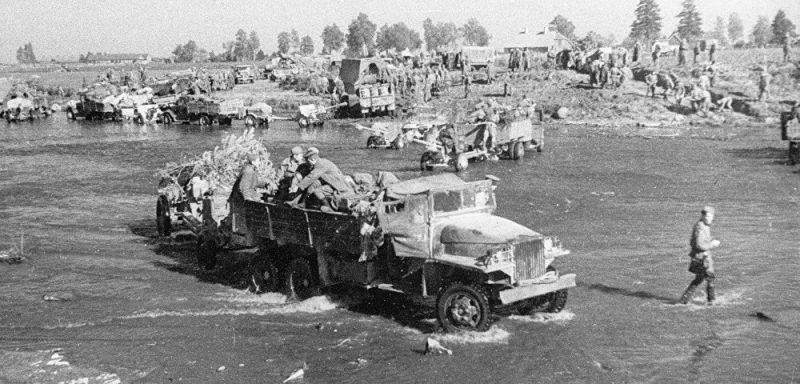 Советские войска на Нарвском плацдарме.
