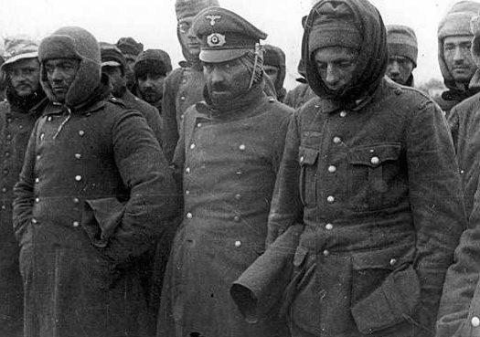 Пленные немецкие солдаты на улицах Ленинграда.