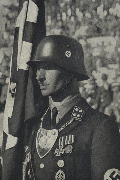 Якоб Гриммингер – знаменоносец Знамени крови.