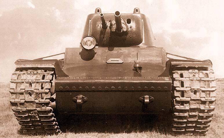 Советский опытный тяжелый танк КВ. Сентябрь 1939 г.
