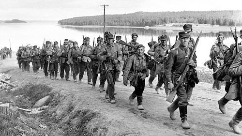 Колонна финской пехоты в районе Савонлинна. 1939 г.