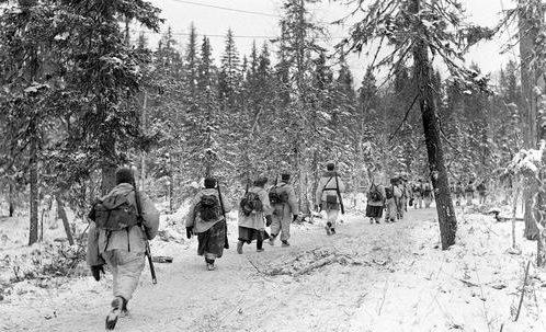 Финские солдаты у Кестенги. 1941 г.