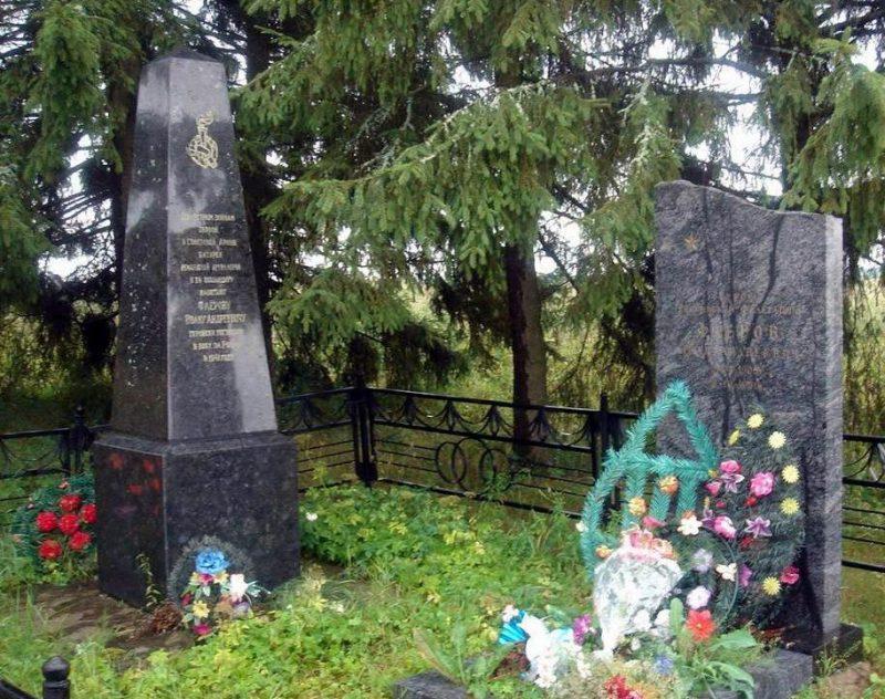 Угранский р-н. Братская могила советских воинов.