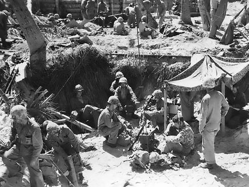 Командный пункт морской пехоты на Тараве. Ноябрь 1943 г.