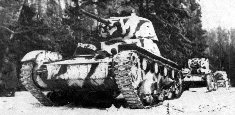 Советские легкие танки Т-26 под Москвой. Декабрь 1941 г.