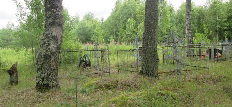 д. Большевицы Угранского р-на. Братское кладбище 150 советских граждан, казненных гитлеровцами в 1942 году.