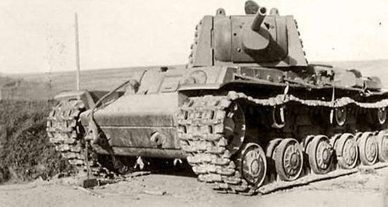 Советский тяжелый танк КВ-1 образца 1941 г.