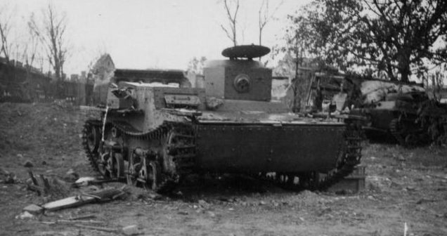 Плавающие танки Т-38, разбитые в Брестской крепости. Июль 1941 г.