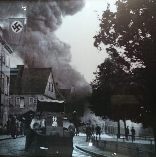 Здание польской почты в огне. 2 сентября 1939 г.