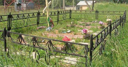 Могила советских воинов.