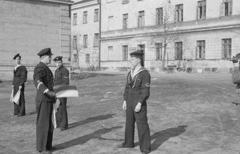 Обучение моряков-сигнальщиков. Хельсинки, 25 апреля 1942 г.