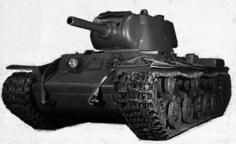 КВ-9 в заводском цеху. Январь 1942 г.