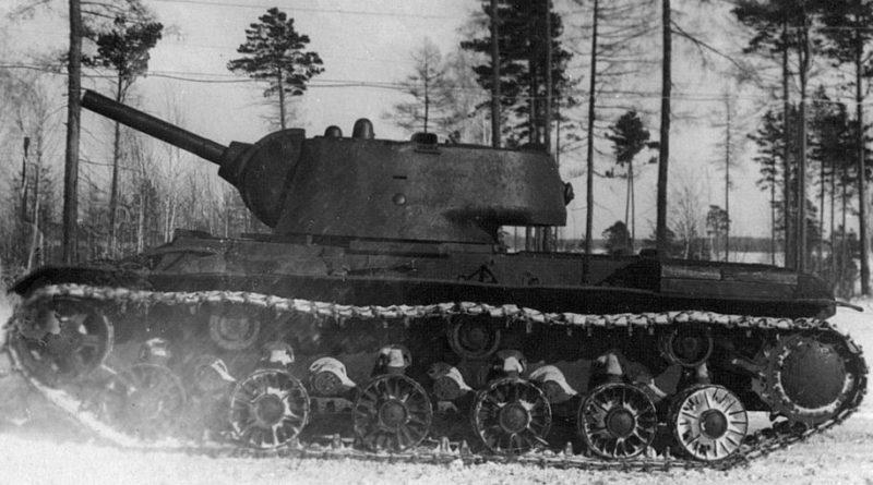 КВ-9 на испытаниях. Февраль 1942 г.