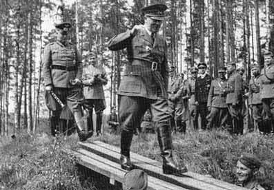 Гитлер во время визита в Финляндию. 4 июня 1942 г.
