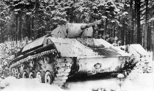 Лёгкий танк Т-70 в зимней окраске на Ленинградском фронте. 1942 г.