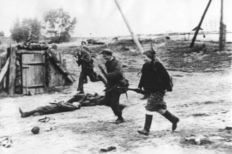 Бой за деревню. 1942 г.
