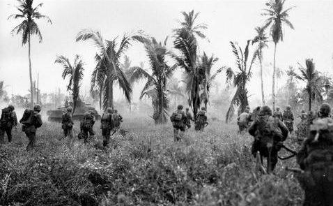 Наступление морских пехотинцев на острове Гуам. Июль 1944 г.