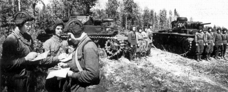 Трофейные средние танки Pz.IV F1 и Pz.III J. 1942 г.