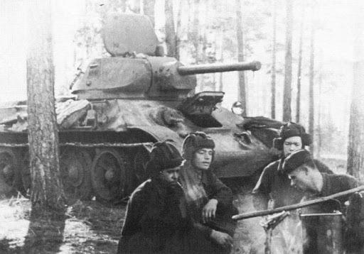 Обед у танкистов. 1942 г.