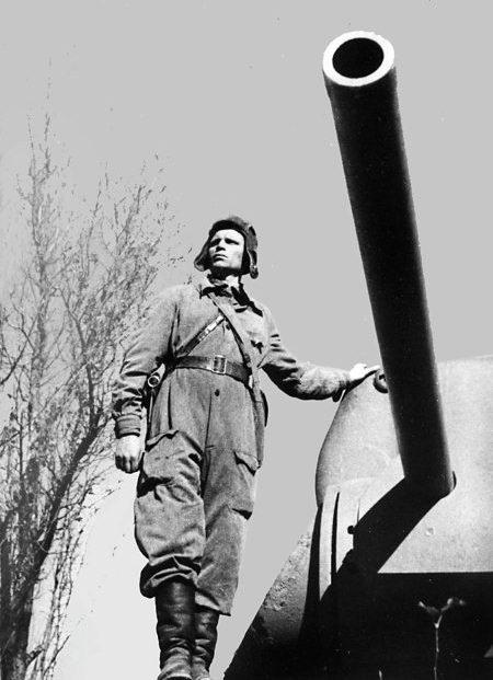 Командир танка И. П. Гречка. 1942 г.