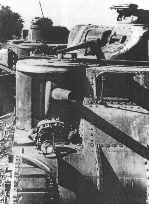 Брошенные в районе Харькова советские танки M3 «Генерал Ли». 1942 г.