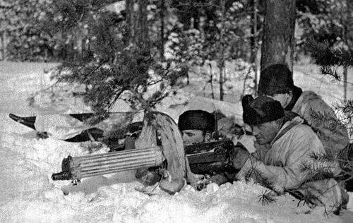 Пулеметный расчет «Максима». 1940 г.