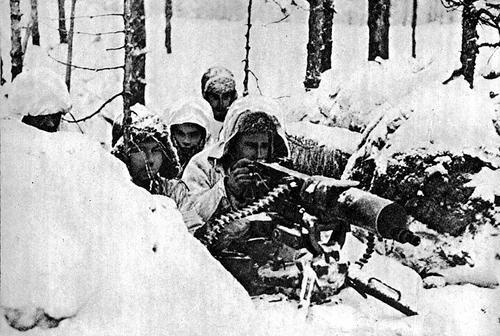 Финские солдаты в лесу. 1940 г.