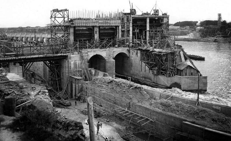 Восстановление Волховской ГЭС. 1942 г.
