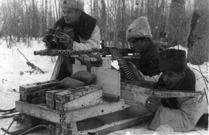 Пулемет MG-34 на самодельном станке. 1943 г.