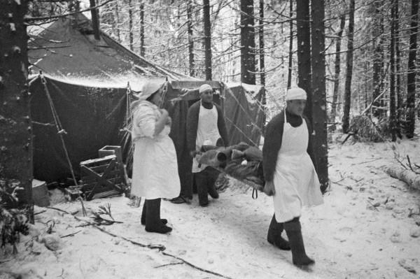 Медсанбат под Волховом. 1943 г.