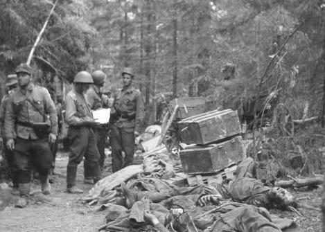 Разбитая советская база у села Паяри. 3 августа 1941 г.