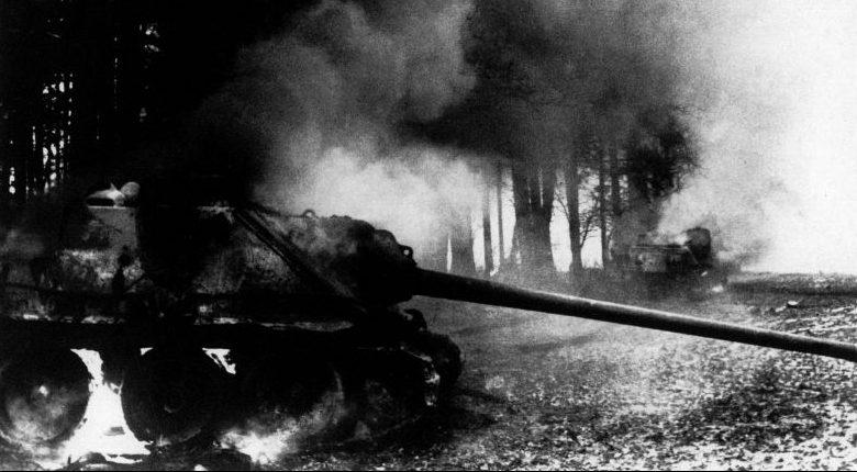 Подбитые советские САУ СУ-85М в Силезии. Март 1945 г.