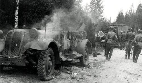 Разбитая немецкая техника у Суоярви, Ладожская Карелия. 20 августа 1941 г.