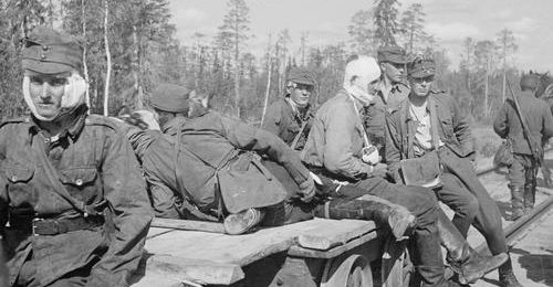 Раненые солдаты. Киестинки, август 1941 г.