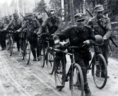 Финские велосипедисты. Осень 1941 г.