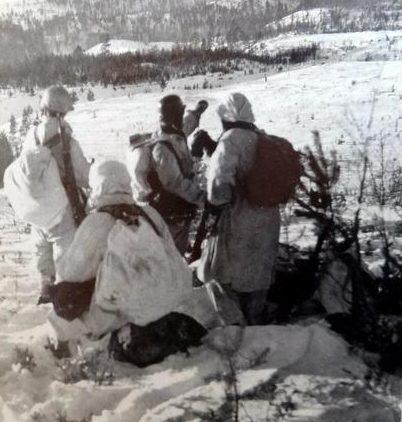 Финские солдаты у Кархумяки. Декабрь 1941 г.