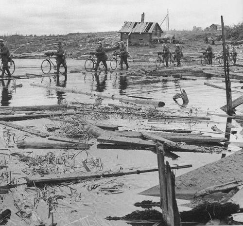 Переправа через реку Туулосйоки. Восточная Карелия, 1941 г.