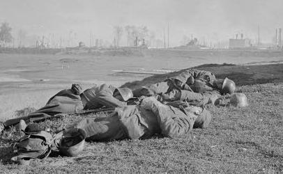 Солдаты на привале. 1941 г.