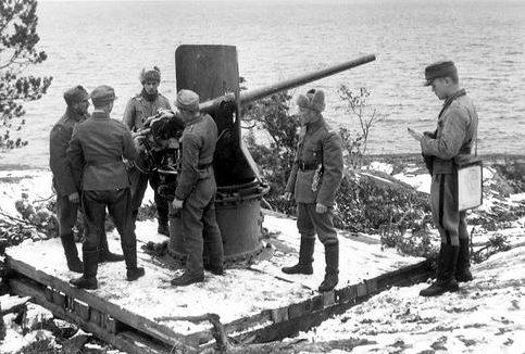 Финская артиллерия на острове Пуцаари (Ладожское озеро). 1941 г.