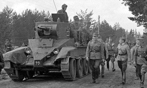 Захваченный советский танк БТ-7 на финской службе. 1941 г.