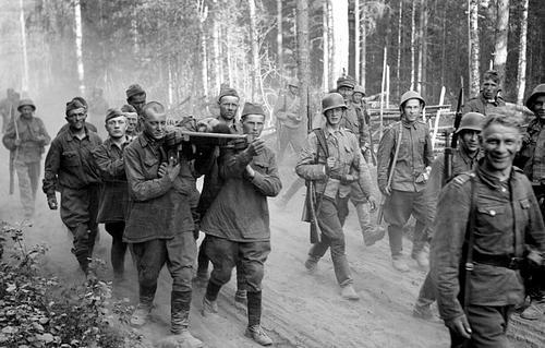 Советские военнопленные в Уукуниеми. 1941 г.