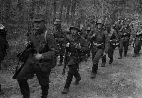 Пулеметная рота в наступлении. 1941 г.