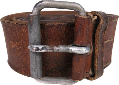 Кожаный поясной ремень для солдат и младшего начальствующего состава РККА. Длина - 1200 мм, ширина - 35 мм.