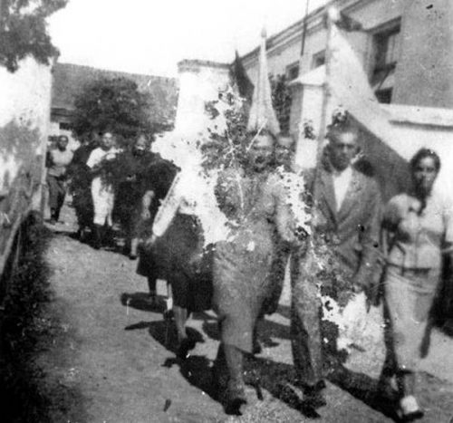 Панихида по погибшим. Луцк, лето 1941 года.