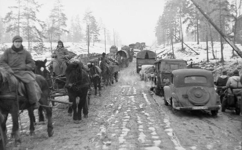 Отступление одной из частей Группы армий «Север».